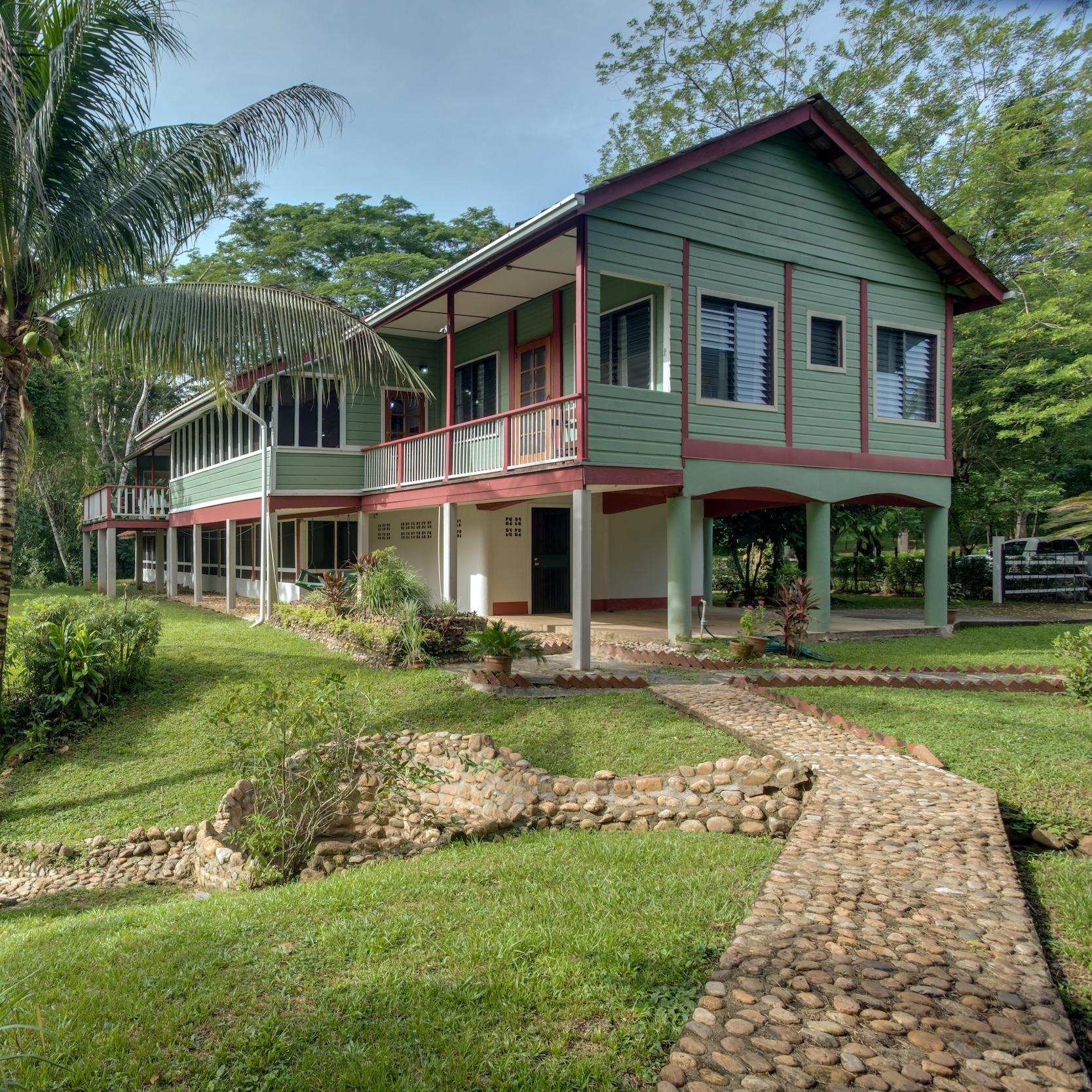 Sweet Song Jungle Lodge
