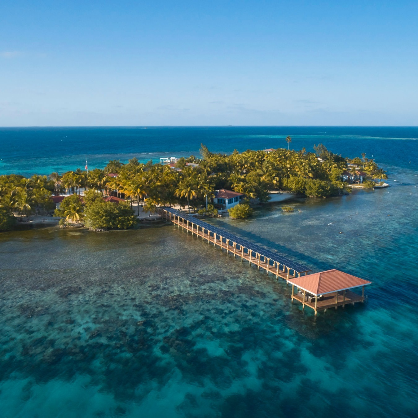 Ray Caye Resort